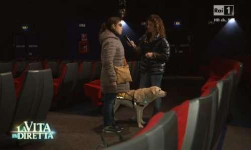 Roberta e il suo cane Rasta nel cinema di Milano