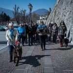 Il gruppo durante la visita guidata, cammina verso la città vecchia