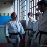 Fernando scherza con i ragazzi del Judo Club di Feltre, presso la Palestra Comunale di Farra di Feltre, prima della dimostrazione di arti marziali
